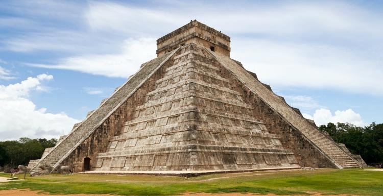 Chichen Itza Castle, Mexico  Photo via SOMATUSCANI